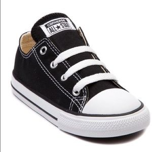 Converse All Star Chuck Taylor low baby shoes 6 C